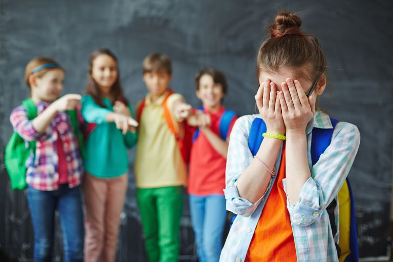 Bullying sau tachinare? Există vreo diferență?
